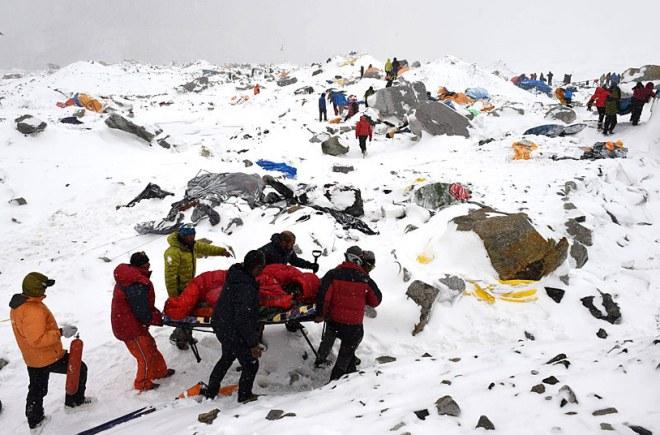 В Индии после схода лавин погибли одиннадцать человек
